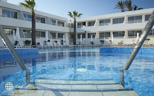 Melpo Antia Luxury Apts And Suites 3