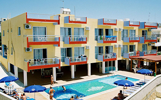Mastronapa Hotel Apartments 3