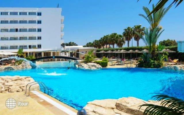 Tasia Maris Beach Hotel 4