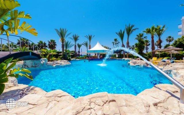 Tasia Maris Beach Hotel 5
