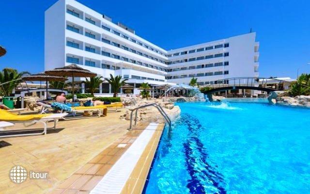 Tasia Maris Beach Hotel 1
