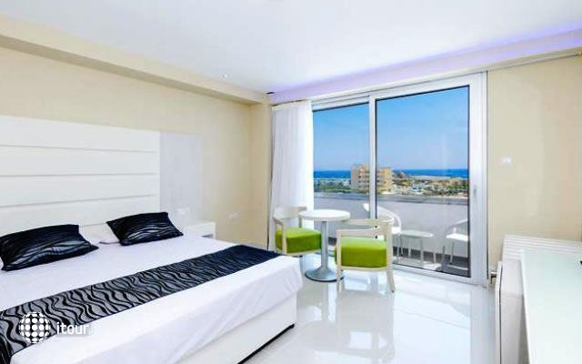 Tasia Maris Beach Hotel 3