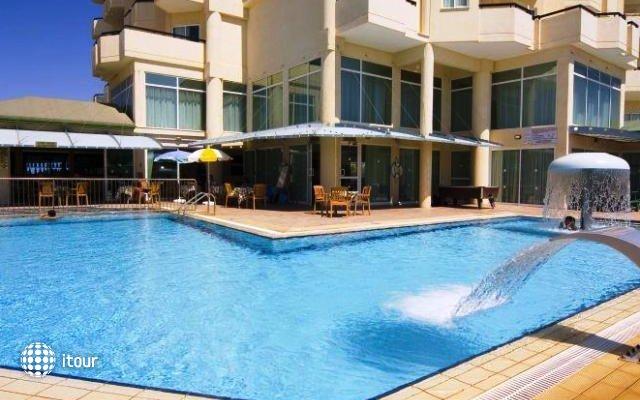 Tasia Maris Sands Hotel 1