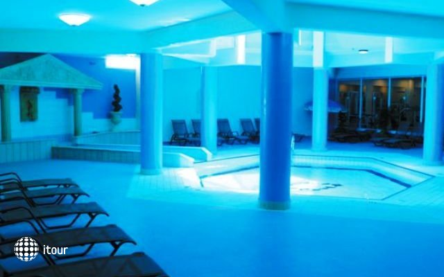 Tasia Maris Sands Hotel 8