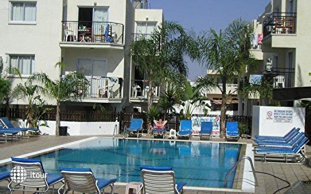 Pavlinia Hotel & Apartments  4