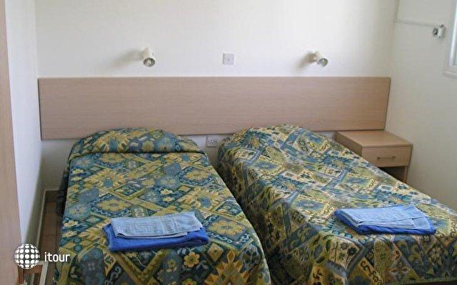 Pavlinia Hotel & Apartments  3