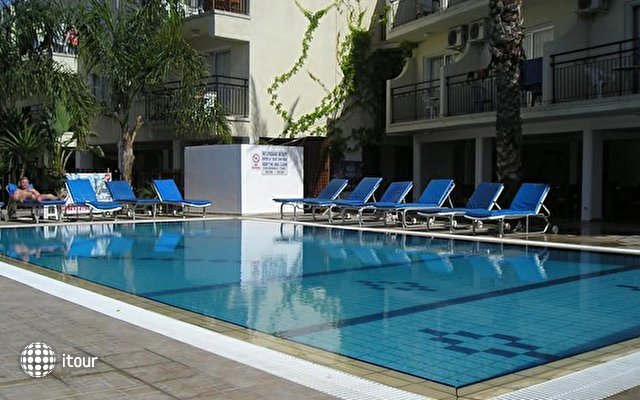 Pavlinia Hotel & Apartments  2
