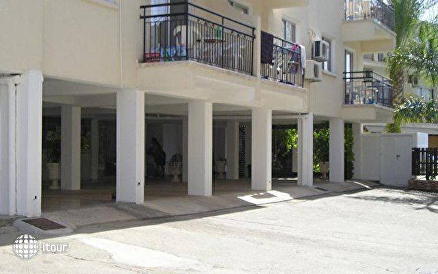 Pavlinia Hotel & Apartments  10