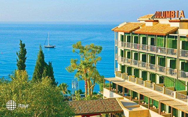 Columbia Beach Hotel 2