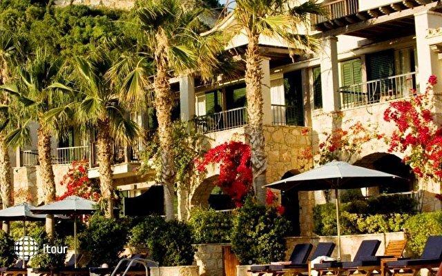 Columbia Beach Hotel 3