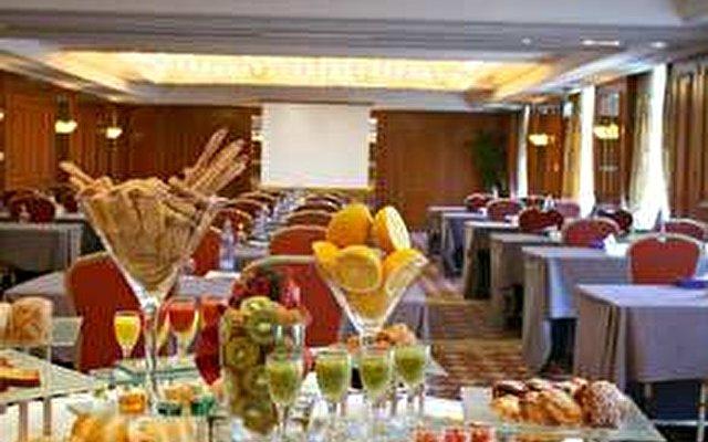 Hilton Cyprus Hotel 8