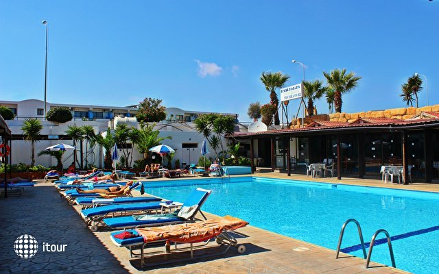 Konnos Bay Hotel Apartments 1