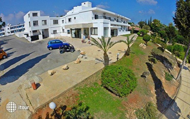 Konnos Bay Hotel Apartments 3