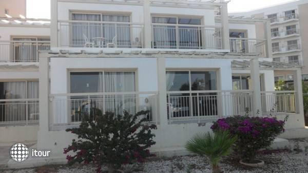 Yianna Marie Resort 2
