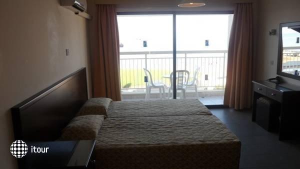 Yianna Marie Resort 5