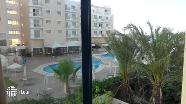 Yianna Marie Resort 7