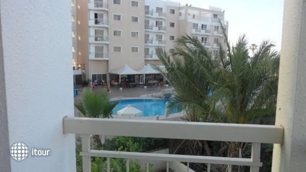 Yianna Marie Resort 8