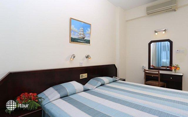 Jacaranda Hotel Apartments 8