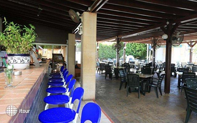 Jacaranda Hotel Apartments 4