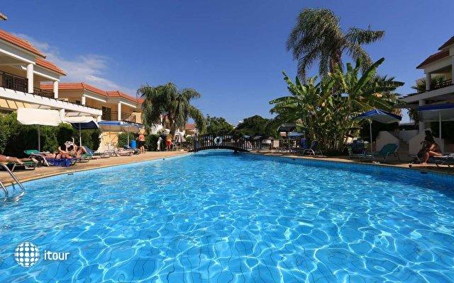 Jacaranda Hotel Apartments 3