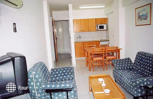 Maistros Hotel Apartments 4