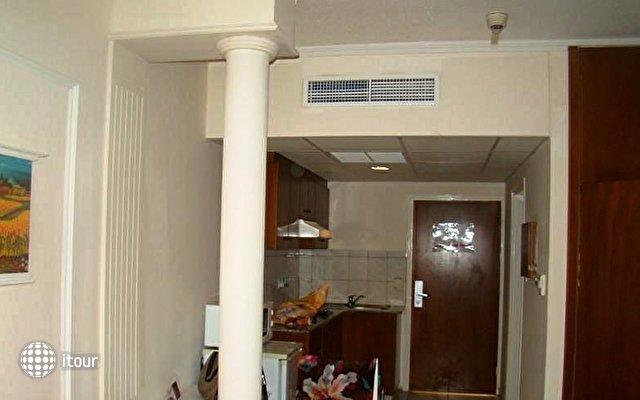 Marlita Hotel Apartments 9