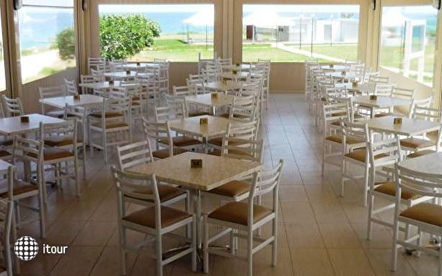Pinelopi Beach Hotel 4
