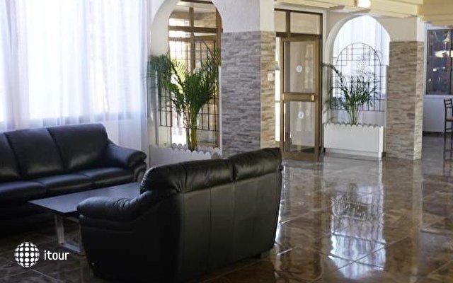Pinelopi Beach Hotel 6