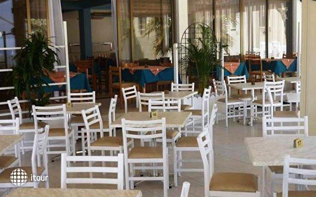 Pinelopi Beach Hotel 7