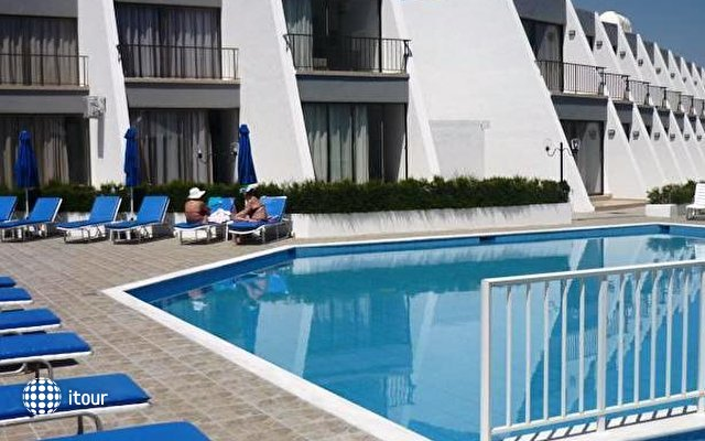 Pinelopi Beach Hotel 1