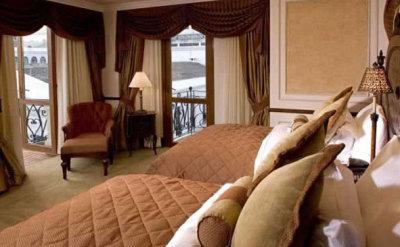 Hotel Plaza Grande Quito 10