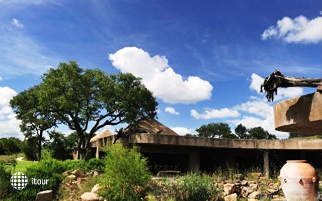 Sabi Sabi Earth Lodge 1