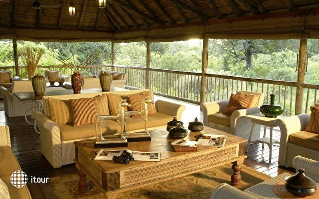 Sabi Sabi Earth Lodge 8