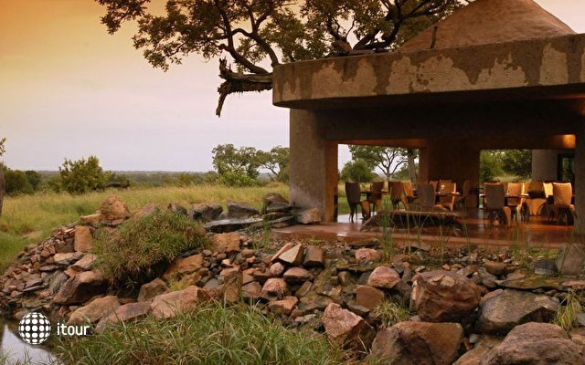 Sabi Sabi Earth Lodge 10