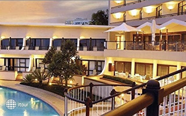 Beverly Hills Hotel 9