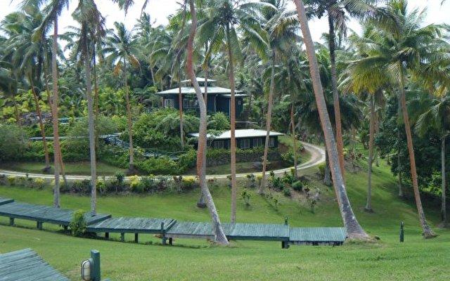 Lomalagi Resort 8