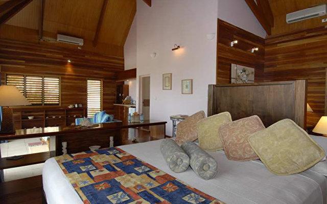 Mana Island Resort 3