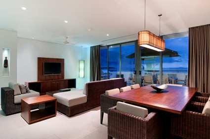 Fiji Beach Resort & Spa 7