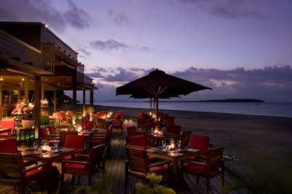 Fiji Beach Resort & Spa 4
