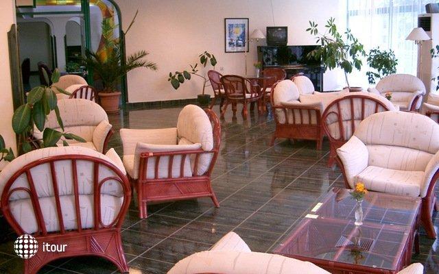 Zdravets Hotel 4