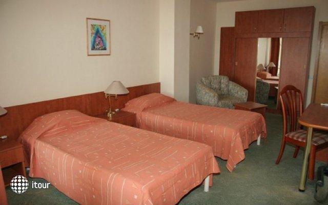 Zdravets Hotel 5