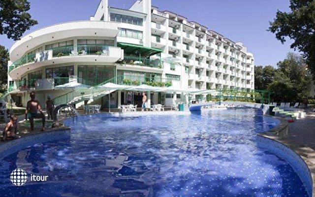 Zdravets Hotel 8