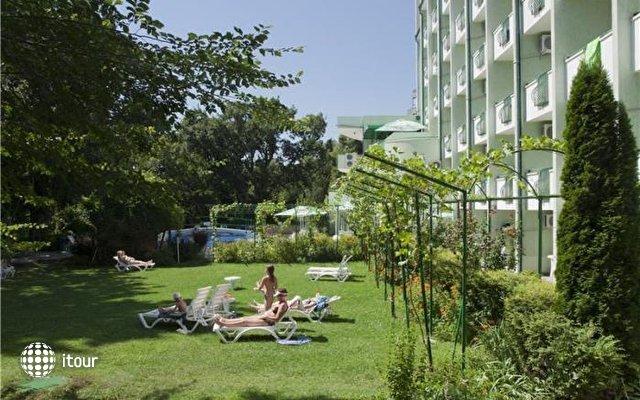 Zdravets Hotel 10