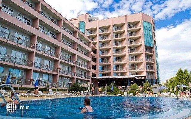 Lilia Hotel 4