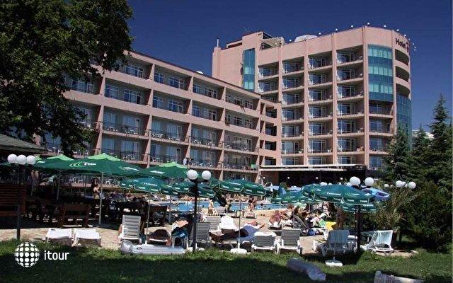 Lilia Hotel 3