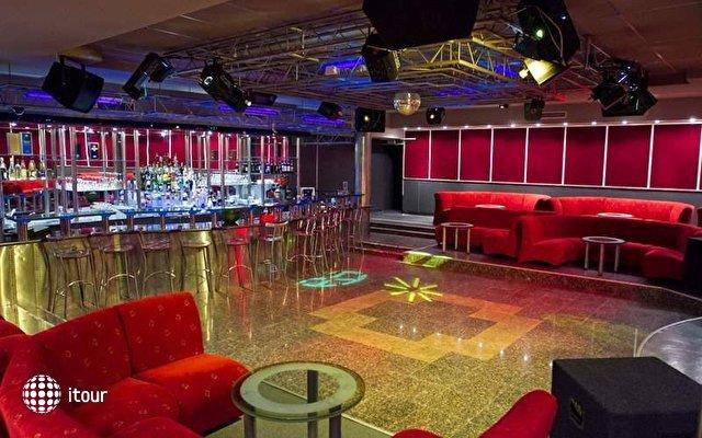 Lilia Hotel 5