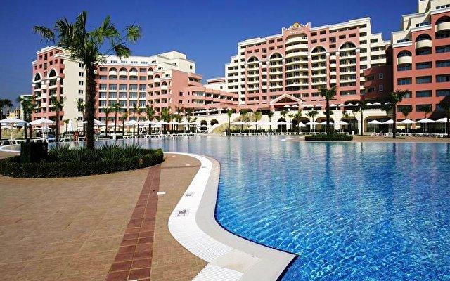Majestic Hotel & Residence 4