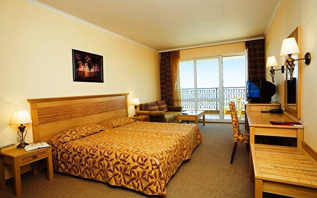 Majestic Hotel & Residence 3