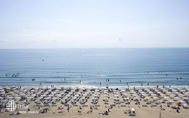 Evrika Beach 4