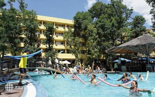 Club Hotel Bor 5